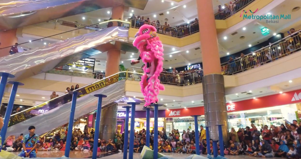 The Lantern Of Love - Barongsai Performance